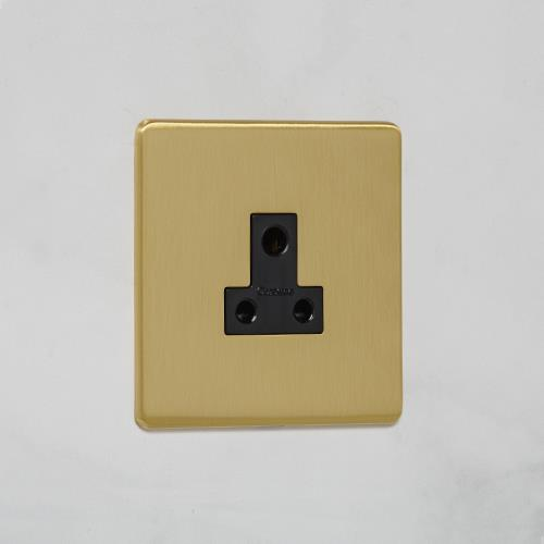 Unswitched Socket